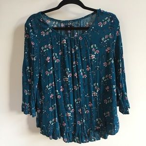 Great condition Gap floral blouse